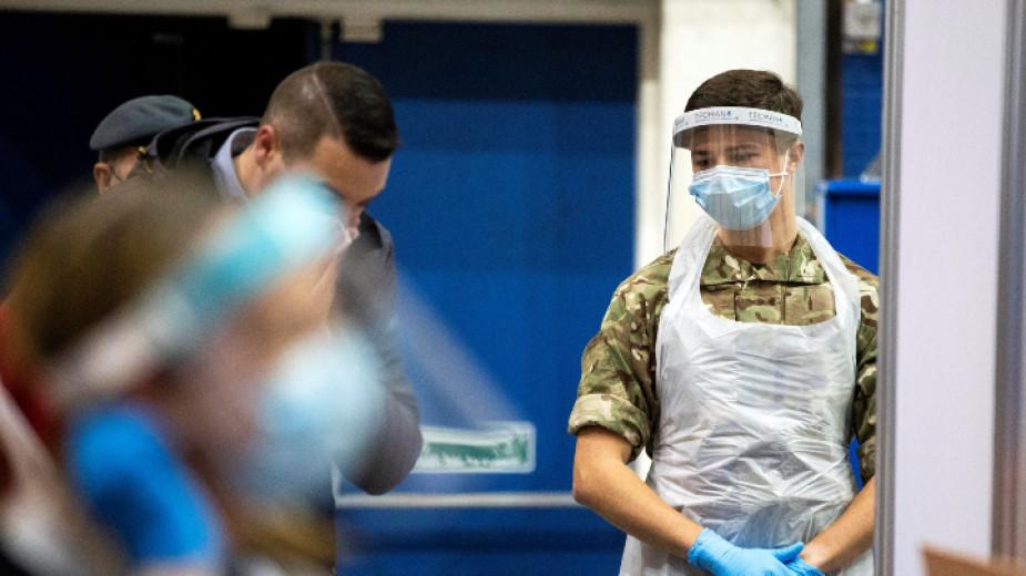 4 милиона са вече ваксинираните във Великобритания, страната обаче е на първо място по смъртност