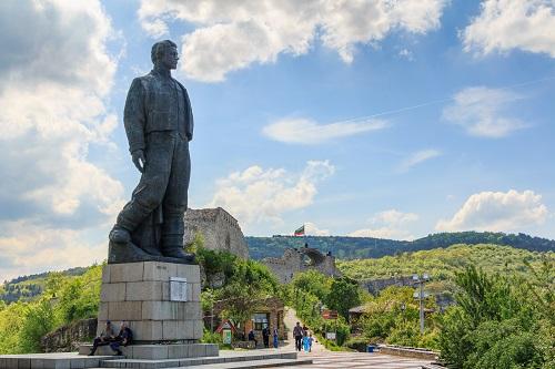 Най големият паметник на Левски