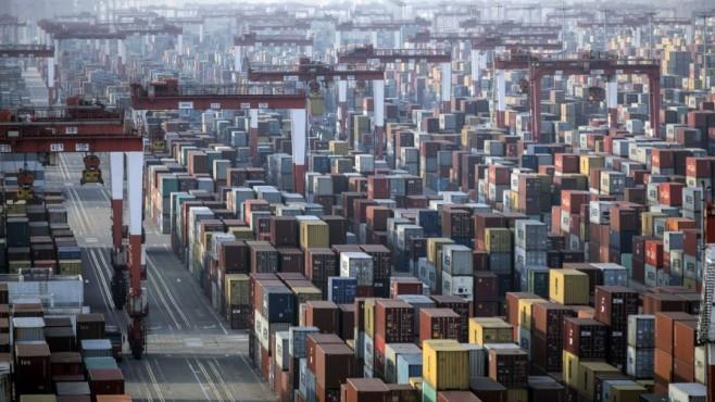 Глобалната търговия с храни буксува заради недостига на контейнери