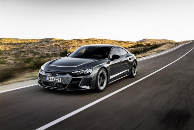 NEW Audi RS e-tron GT Review