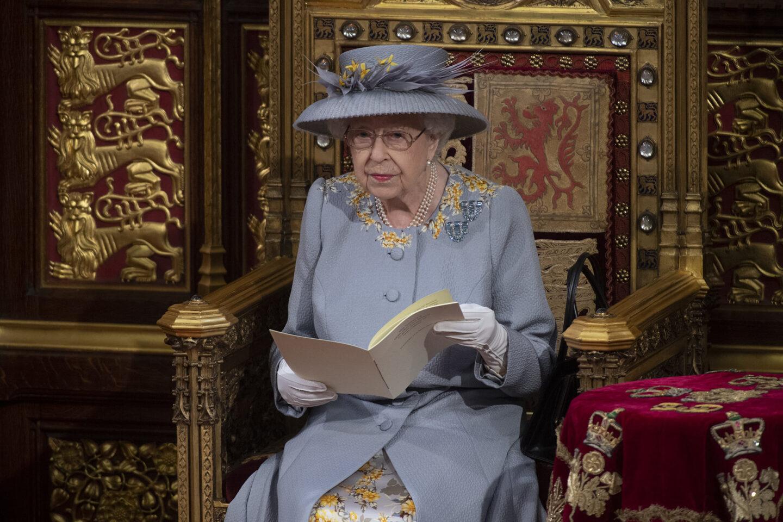Елизабет II откри новата сесия на британския парламент